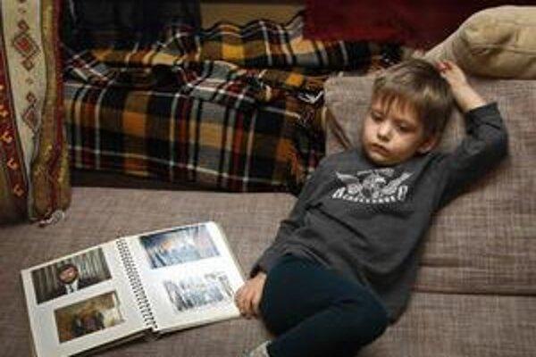Danila Sannikov je u starých rodičov. Ak však súd rozhodne, môže skončiť v detskom domove.