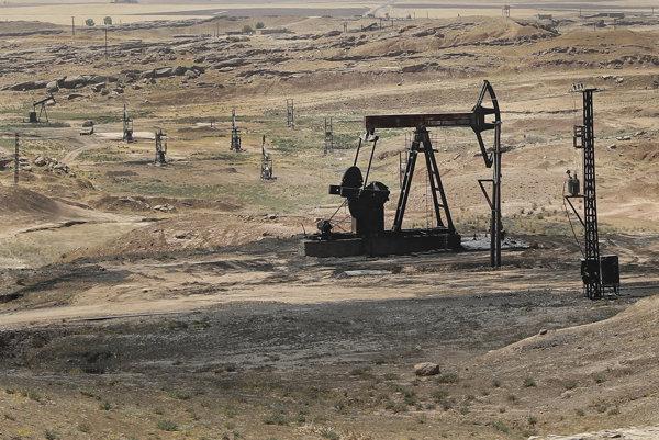 Príjmy Islamského štátu z ropy výrazne klesli