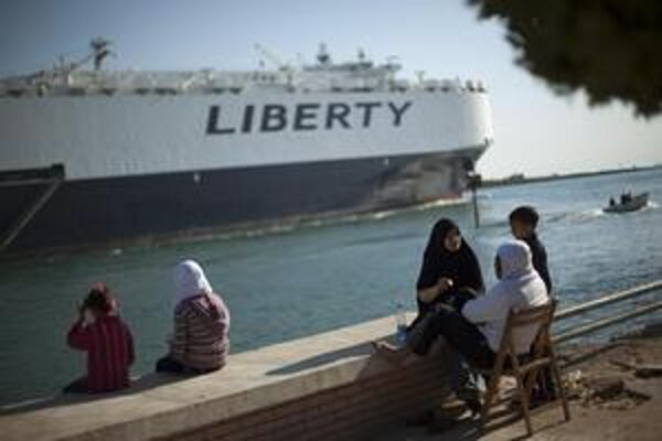 Suezský prieplav je jedným z narušnejších lodných ciest na  svete. Iránske vojenské lode cezeň už dlho nebrázdili.