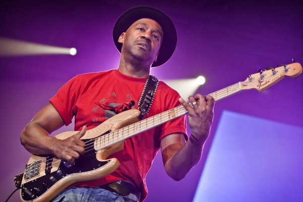 Marcus Miller (58 rokov) je džezový basgitarista, bol producentom albumu Milesa Davisa Tutu. V Bratislave už niekoľkokrát vystúpil.