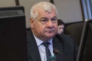 Minister dopravy, výstavby a regionálneho rozvoja Árpád Érsek.