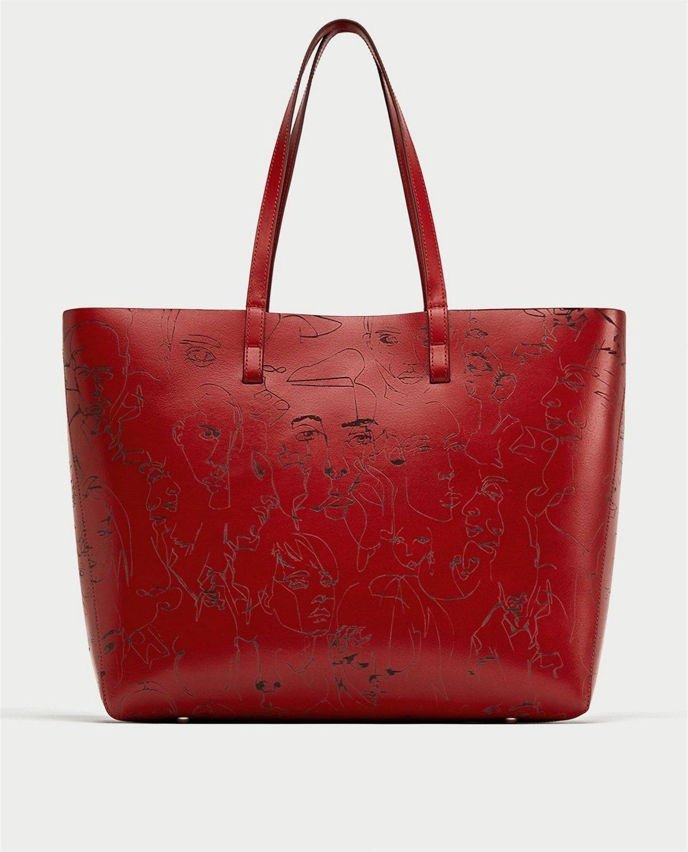 882a8d5a08 Zara vraj vykradla mladého umelca. Na kabelkách použila jeho kresby ...
