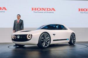 Honda Sports EV - Tento športový elektromobil dizajnom výrazne pripomína štúdiu Urban EV, ktorá mala premiéru vo Frankfurte. Okrem dizajnových prvkov zdieľajú aj spoločnú platformu.