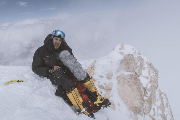 Vrchol Gasherbrum II a prvý separátny zvukový záznam nad 8000 metrov. Fotil Andrii Vergeles