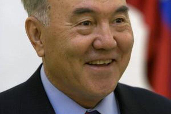 Nursultan Nazarbajev počas návštevy Slovenska v roku 2007.