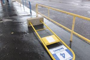Na hlavnej autobusovej stanici v Žiari.