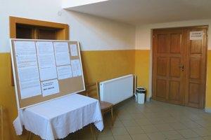 V Žaškove odvolilo do pol dvanástej zhruba 60 ľudí, čo je z 1 354 oprávnených voličov len približne 4,5 percenta.