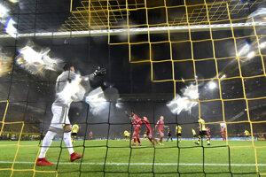 Momentka zo stretnutia medzi Dortmundom a Bayernom.