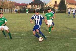 Zlom vo vývoji. Kanonier Dušan Varga strieľa gól na 2:1.