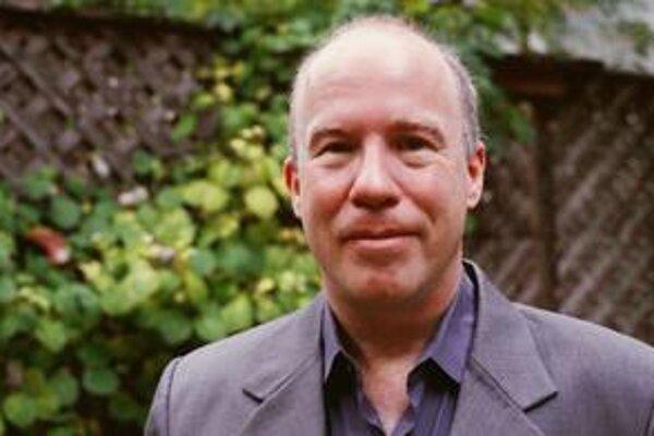 Novinár Mark Danner písal pre The New Yorker, učí žurnalistiku na University of California v Berkeley a Bard College v New Yorku.