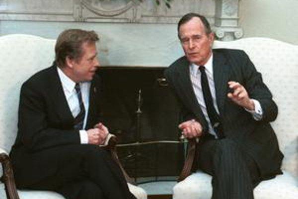 Americký prezident George Bush starší prijal Havla dokonca dvakrát.