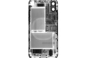 Röntgenová snímka iPhoneX.