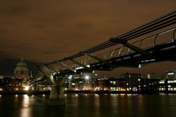 Londýn počas Hodiny Zeme.