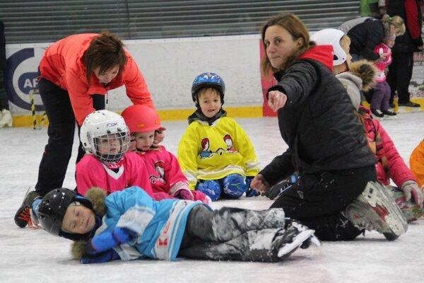 Podujatie bolo určených pre korčuliarov i tých, ktorí stáli na korčuliach prvýkrát.
