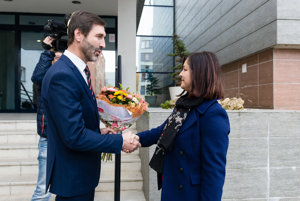 Prvé stretnutie odchádzajúceho župana Juraja Blanára a novozvolenej Eriky Jurinovej.