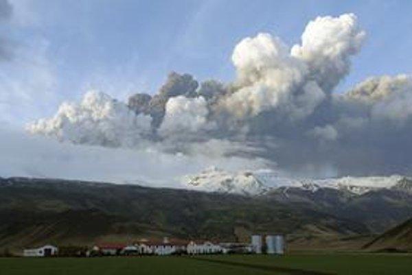 Taký chaos v leteckej doprave, aký spôsobili mračná popola z islandskej sopky, Európa nezažila od teroristických útokov z 11. septembra 2001.