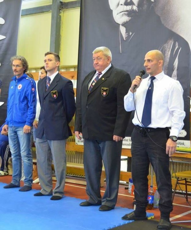 Tréner Rác (vpravo).