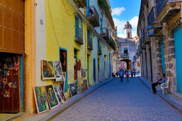 K Havane neodmysliteľne patria farby.
