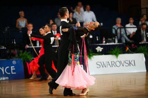 V štandardných tancoch dominoval pár Zdeno Blesák - Henrieta Nagyová