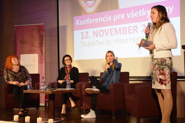 Diskusia o time manažmente. O svojich pracovných aj voľných dňoch prišla porozprávať šéfredaktorka divízie týždenníkov My Jana Paulovská, členka predstavenstva VSE Alena Rozsypalová a moderátorka Adela Vinczeová.