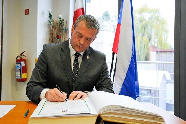 Staronový predseda samosprávneho kraja Jaroslav Baška zložil sľub.