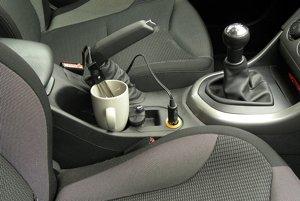 Carpoint ponorný varič - Ak vám nestačí espresso a radi by ste si zaliali čaj alebo instantnú polievku, presne pre vás je tu ponorný varič do auta. Alza.sk vám ho predá za 10,90 eur.