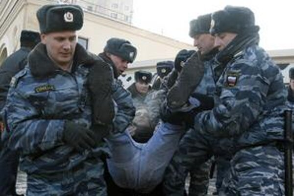 Zaásah policajtov v centre Moskvy.
