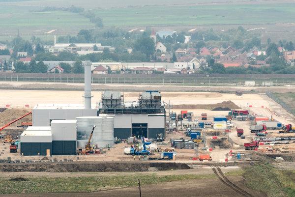 Výstavba automobilového závodu Jaguar Land Rover pri Nitre z 22. septembra 2017.