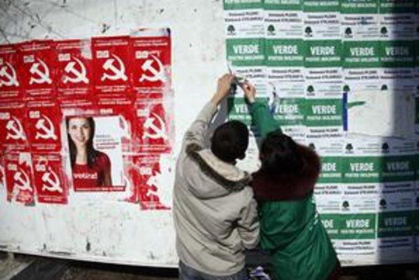 Piateho apríla si Moldavčania zvolia nový parlament. Už teraz je zrejmé, že partnerov do vlády si vyberú červení komunisti.