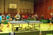 Stolní tenisti Valče podávajú v extralige solídne výkony.