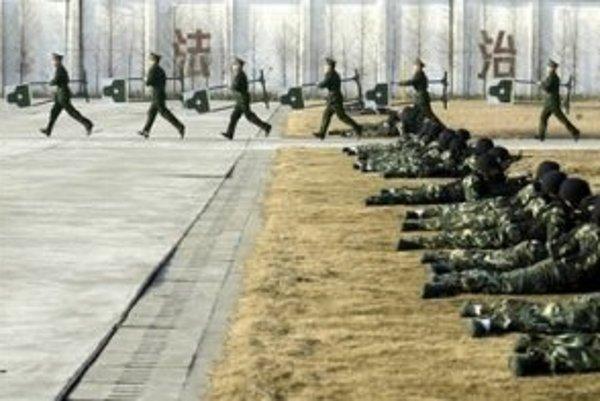 Protiteroristické cvičenie čínskej armády.