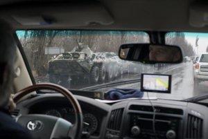 Ozbrojené vozy smerujú do centra Luhanska.