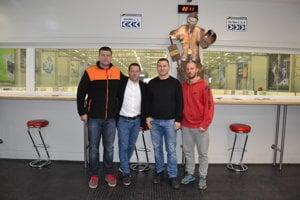 Stretnutie v Prešove. Zľava šéf akadémie Róbert Čop, Martin Kohút, Ján Kentoš a tréner Peter Zachar.