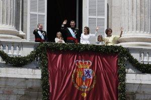 Španielsko má nového následníka trónuŠpanielsky kráľ s rodinou na balkóne španielskeho paláca v Madride.