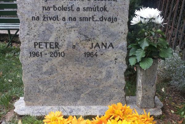 Jana Mravíková už sedem rokov bojuje za spravodlivé vyvodenie zodpovednosti za smrť jej partnera Petra Tótha, ktorý zomrel v košickej univerzitnej nemocnici.