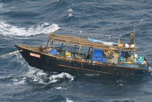 Muži na lodi tvrdia, že sú zo Severnej Kórey.