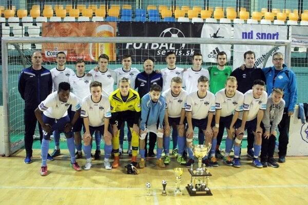 Futbalisti FC Nitra jun. sa stali víťazmi Pohára primátora a de facto obhájili lanský triumf áčkarov.