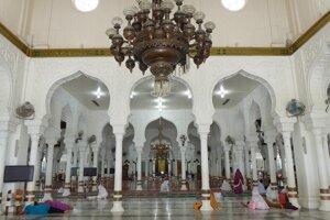 Aj hlavná mešita v Banda Acehu je postavená nanovo.