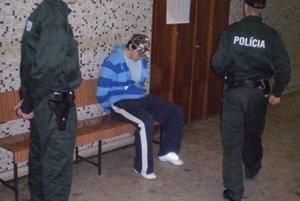 Rozhodovanie o väzbe po vznesení obvinenia v októbri 2009.