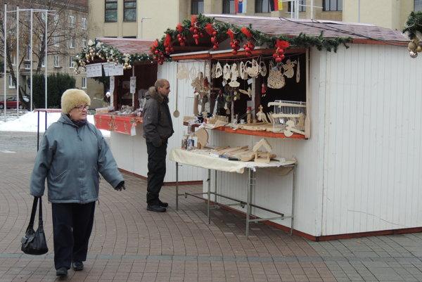 V centre Žiaru sú už stánky.