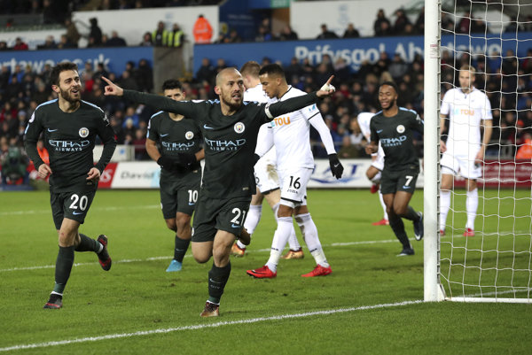 Manchester City strelil Swansea štyri góly.