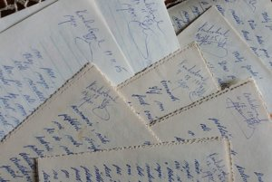 Listy do väzenia. Všetky, aj tie od sestier, museli prejsť kontrolou.