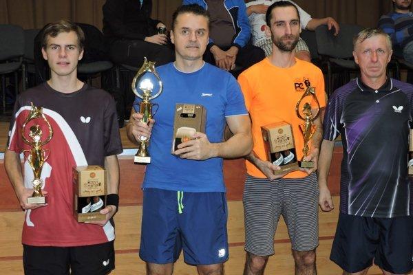 Erik Eckhardt (vľavo) si vybojoval striebornú medailu.