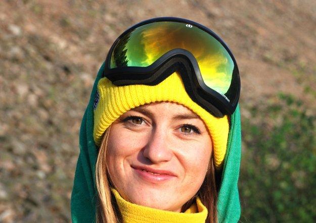 Na snowboarde skvelá Martina Molnárová.