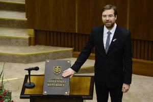 Marek Krajčí skladá poslanecký sľub.