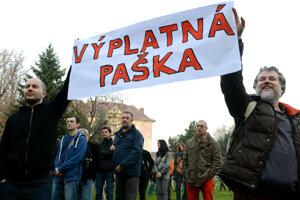 Po kauze CT protestovali proti Pavlovi Paškovi tisíce ľudí.