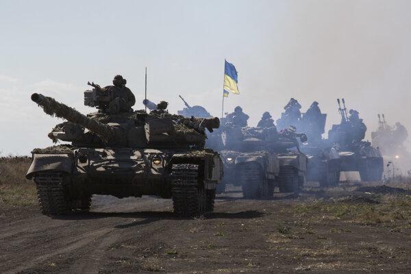 Američania zvyšujú pomoc ukrajinskej armáde bojujúcej proti povstalcom.
