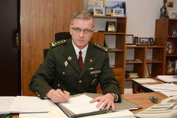 Od 1. októbra je riaditeľom Krajského riaditeľstva PZ v Žiline rodák z Čadce, plukovník Aurel Gonščák (52), ktorý dovtedy pôsobil ako riaditeľ Okresného riaditeľstva PZ v Martine.