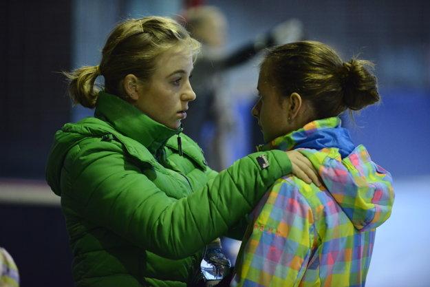 Dcéra Miroslava Viteka, Erika (vľavo)je nádejnou trnavskou trénerkou. Na foto dáva rady svojej zverenkyne Timke Študencovej.