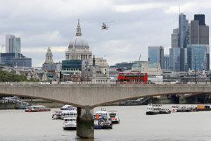 Most Waterloo a za ním londýnsky City.